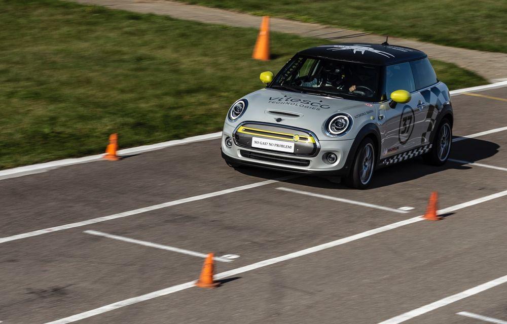 Întâlnire pe circuit cu Mini Electric Racing: modelul de competiție este dezvoltat 100% în România - Poza 36