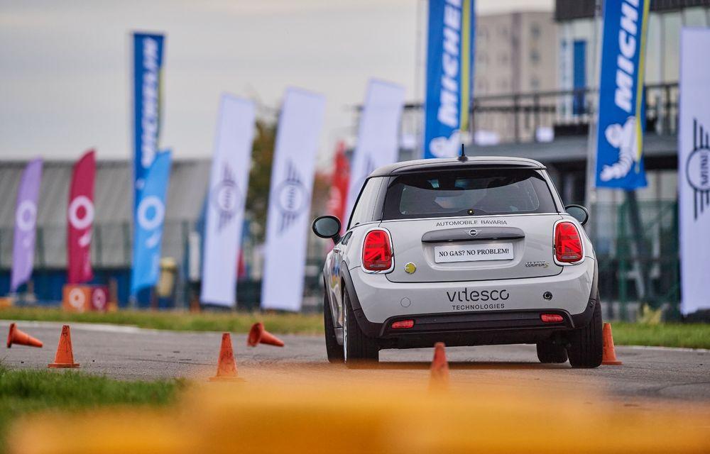 Întâlnire pe circuit cu Mini Electric Racing: modelul de competiție este dezvoltat 100% în România - Poza 11