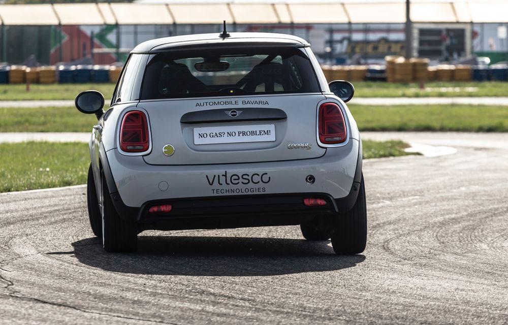 Întâlnire pe circuit cu Mini Electric Racing: modelul de competiție este dezvoltat 100% în România - Poza 47