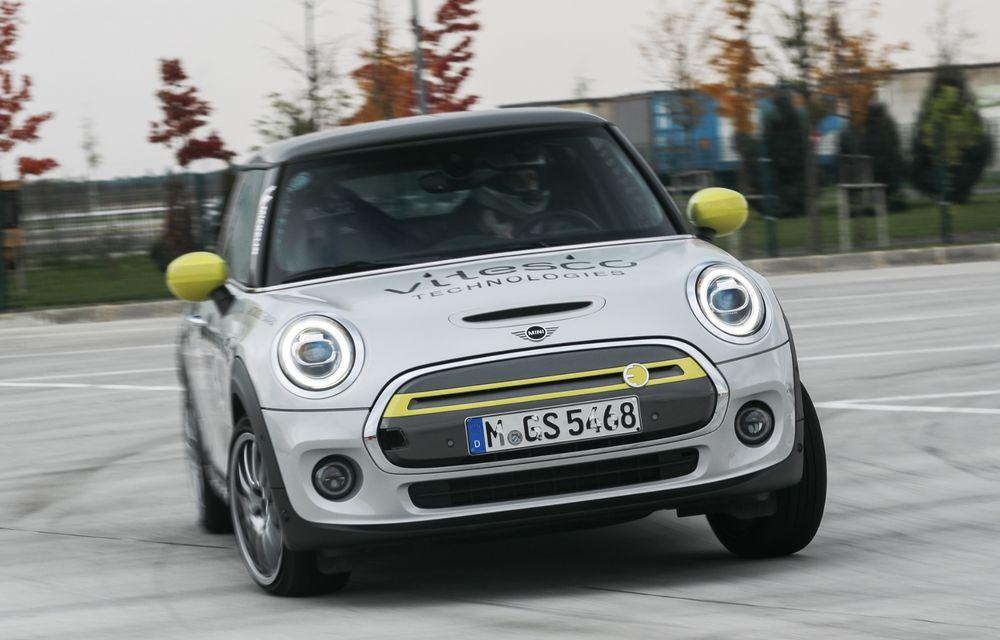 Întâlnire pe circuit cu Mini Electric Racing: modelul de competiție este dezvoltat 100% în România - Poza 60