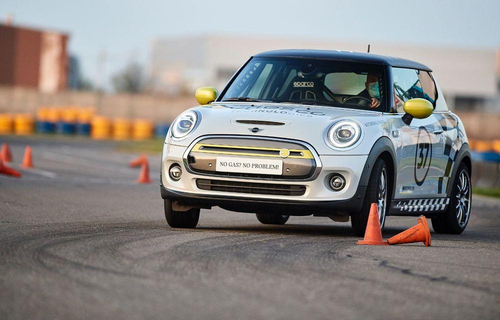 Întâlnire pe circuit cu Mini Electric Racing: modelul de competiție este dezvoltat 100% în România - Poza 19