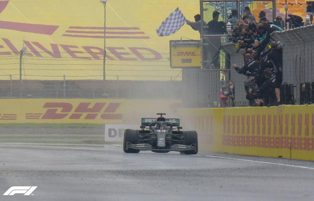Hamilton a câștigat pe ploaie la Istanbul și a egalat recordul de 7 titluri deținut de Schumacher! Perez și Vettel, pe podium - Poza 1