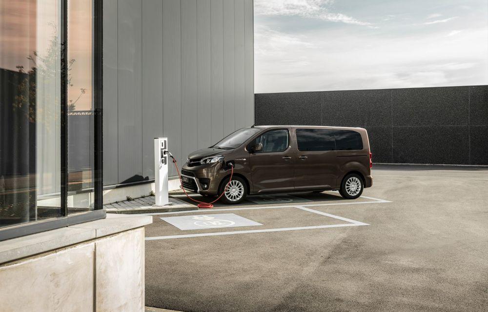 Toyota prezintă versiunea electrică a utilitarei Proace Verso: 136 de cai putere și autonomie de până la 330 de kilometri - Poza 2