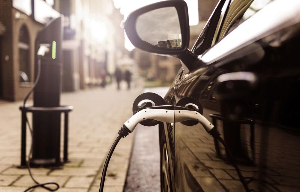 """Marea Britanie a anunțat oficial că va interzice vânzarea de mașini diesel și pe benzină din 2030: """"Doar unele modele hibride vor fi permise"""" - Poza 1"""