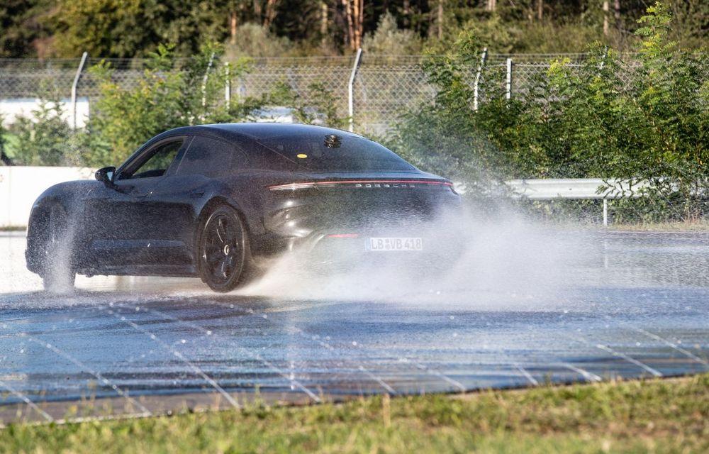 Porsche Taycan stabilește un record Guinness: cel mai lung derapaj controlat realizat de un model electric - Poza 5