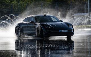 Porsche Taycan stabilește un record Guinness: cel mai lung derapaj controlat realizat de un model electric