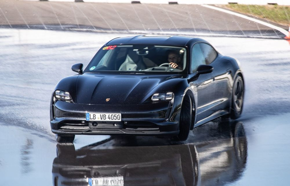 Porsche Taycan stabilește un record Guinness: cel mai lung derapaj controlat realizat de un model electric - Poza 22