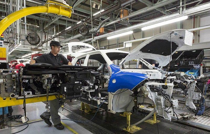 Brexit: industria auto britanică estimează pierderi de 55 de miliarde de lire sterline în lipsa unui acord cu UE - Poza 1