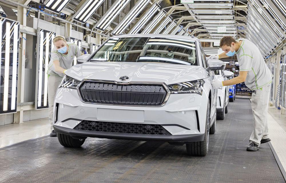 Skoda a început producția SUV-ului electric Enyaq iV: până la 350 de unități pe zi vor ieși de pe linia de asamblare - Poza 1