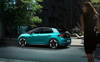 Volkswagen ID.3 a devenit cea mai vândută mașină electrică din Europa: hatchback-ul a detronat Renault Zoe în luna octombrie