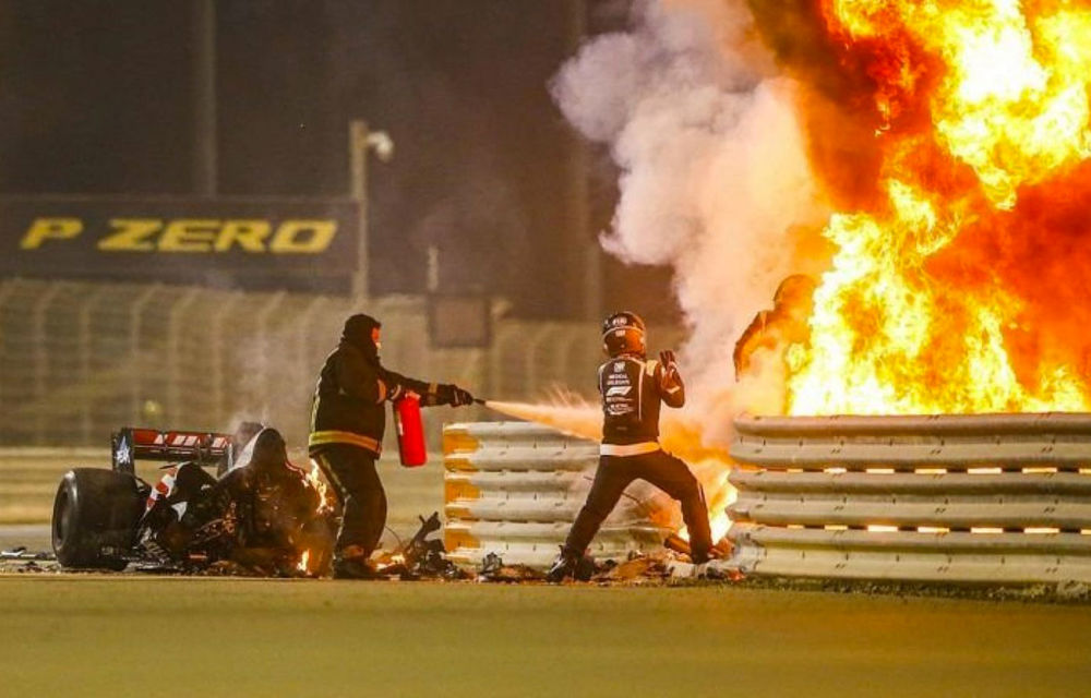 Accident major în cursa de Formula 1 din Bahrain: Grosjean a scăpat cu câteva arsuri după ce monopostul Haas a explodat - Poza 1