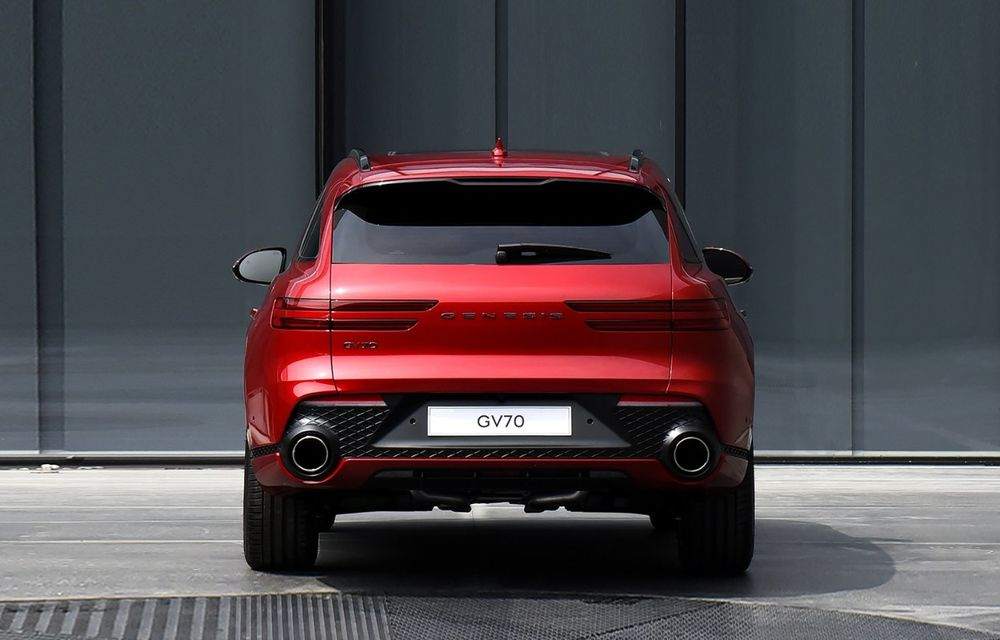 Primele imagini cu noul SUV Genesis GV70: detaliile tehnice vor fi anunțate în 8 decembrie - Poza 11
