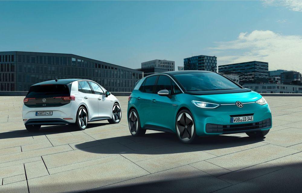 """Volkswagen anunță rezolvarea problemelor software pentru ID.3: unitățile livrate până acum vor fi """"reparate"""" - Poza 1"""