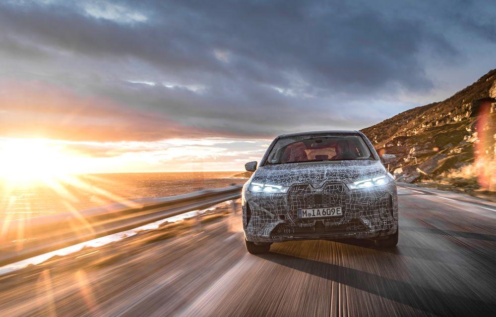 Anduranță cu prototipul viitorului SUV electric BMW iX: nemții au demarat sesiunile de teste în zona de nord a Europei - Poza 11