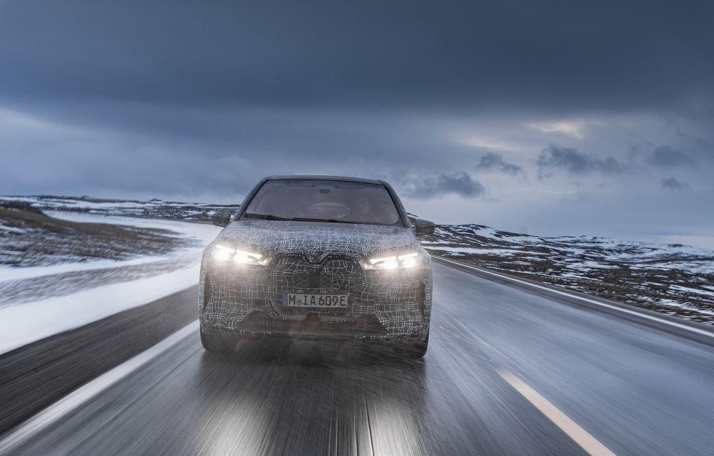 Anduranță cu prototipul viitorului SUV electric BMW iX: nemții au demarat sesiunile de teste în zona de nord a Europei - Poza 16