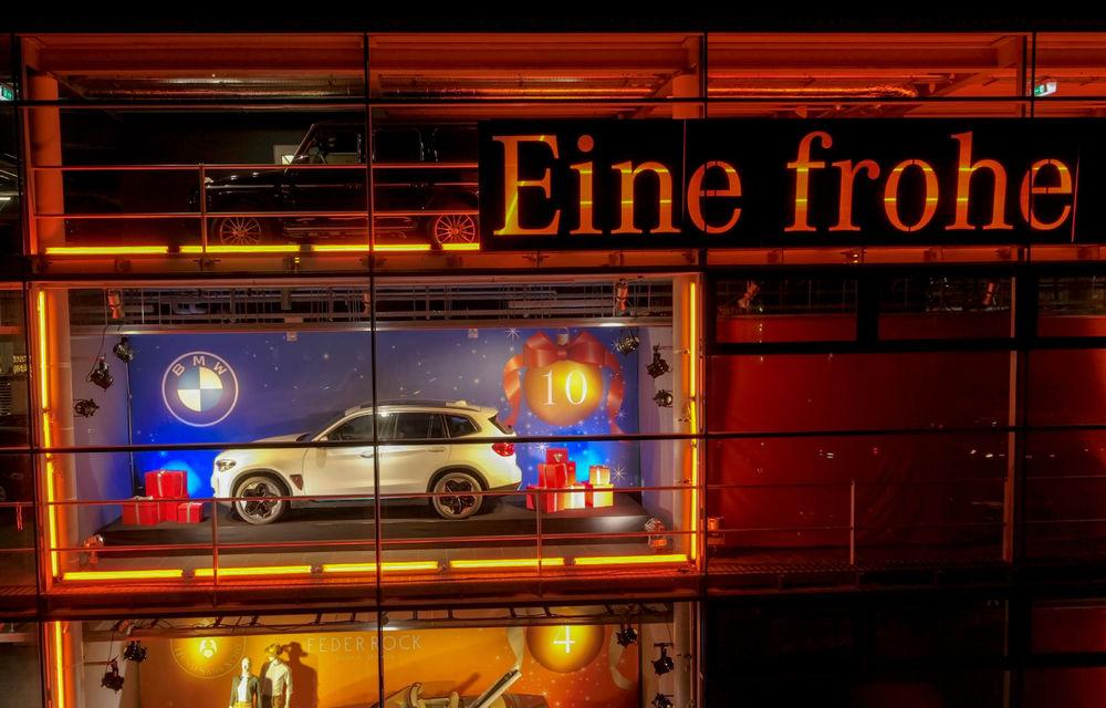 """Solidaritate germană: BMW și Mercedes-Benz au făcut schimb de mașini în """"vitrinele de prezentare"""" - Poza 4"""