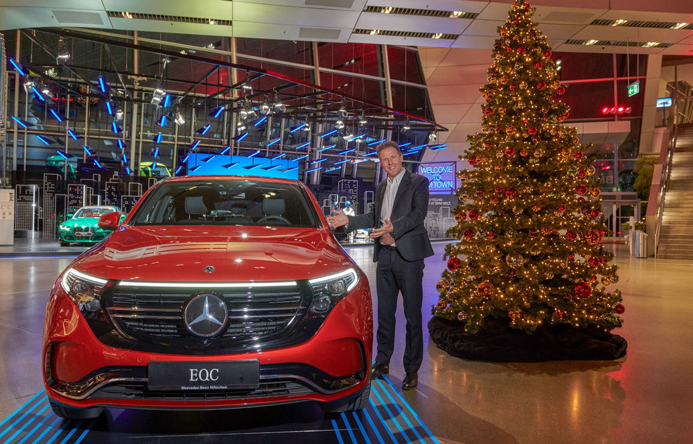 """Solidaritate germană: BMW și Mercedes-Benz au făcut schimb de mașini în """"vitrinele de prezentare"""" - Poza 1"""