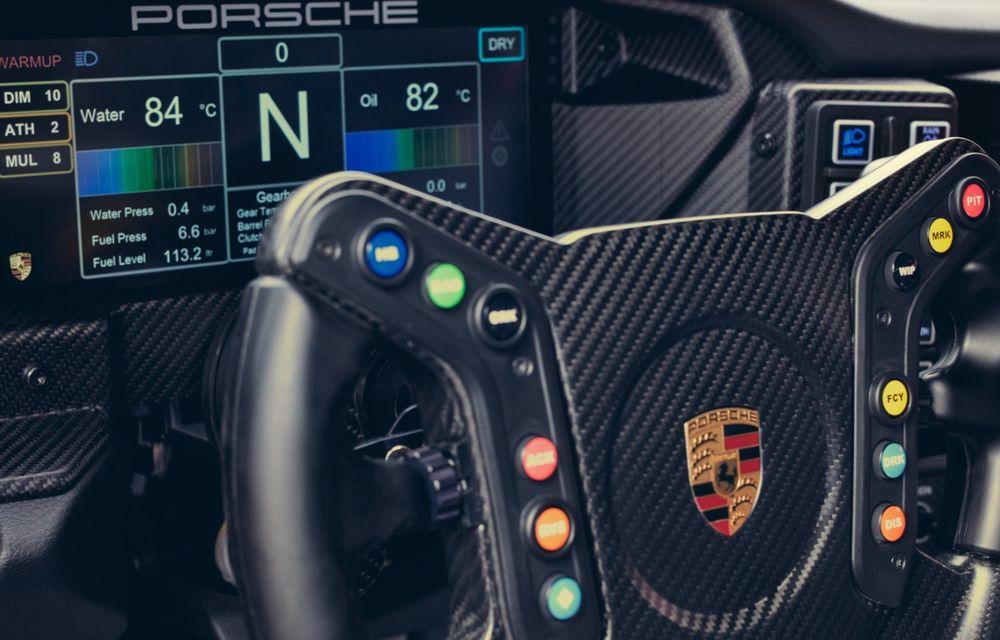 Porsche a prezentat noul 911 GT3 Cup: modelul de competiții oferă aproximativ 510 CP și 470 Nm - Poza 16