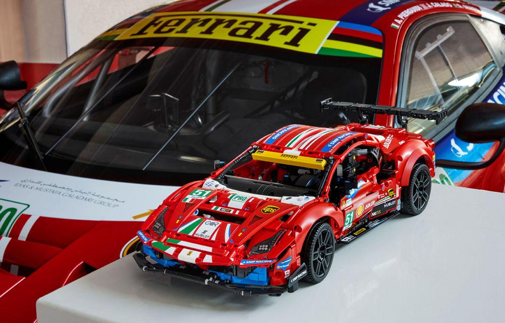 Versiune Lego pentru Ferrari 488 GTE: pachetul conține 1.677 de piese și va fi disponibil din 1 ianuarie - Poza 3