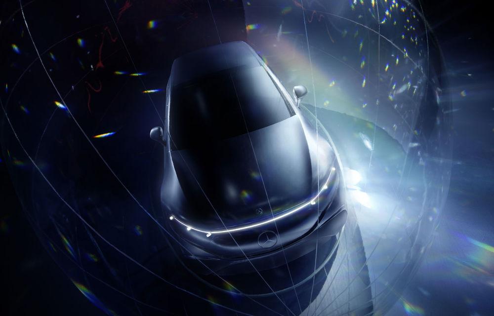 Primele teasere cu Mercedes-Benz EQS: sedanul electric cu autonomie de 700 de kilometri va avea software cu inteligență artificială și filtru HEPA la interior - Poza 1
