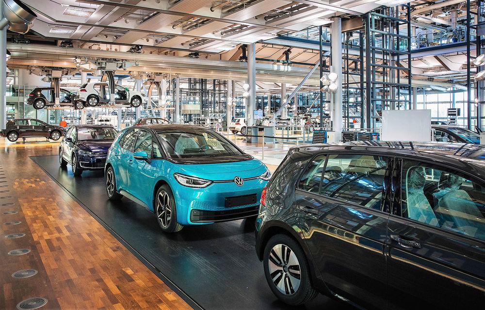 Final de carieră: uzina Volkswagen din Dresda a produs ultimul exemplar e-Golf - Poza 3