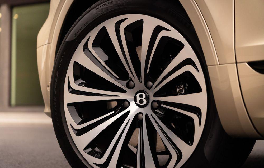 Bentley lansează Bentayga Hybrid facelift: 450 CP și autonomie de 50 de kilometri în regim electric - Poza 21