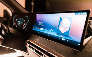 BMW pregătește o nouă generație iDrive: viitorul sistem multimedia va fi prezentat în cursul lui 2021