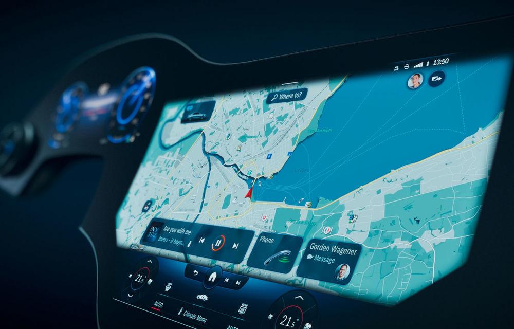Detalii noi despre MBUX Hyperscreen, sistemul multimedia care va putea să facă pe ghidul în oraș - Poza 1