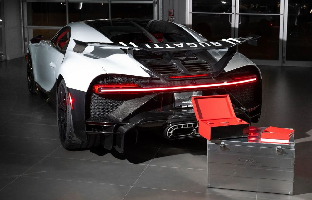 Bugatti a livrat primul exemplar Chiron Pur Sport. Prețul pornește de la 3 milioane de euro - Poza 4