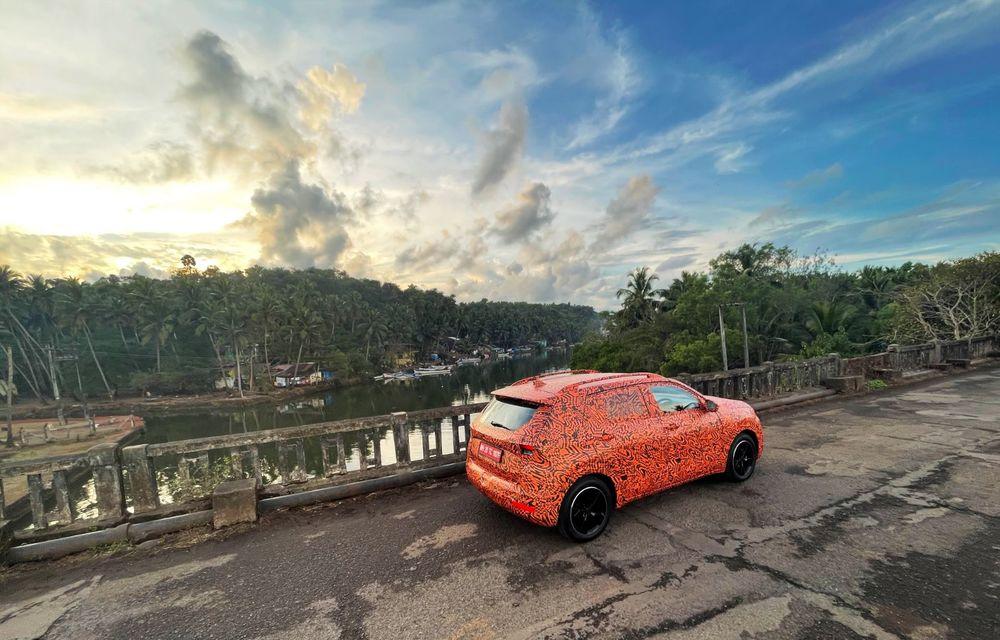 Primele imagini sub camuflaj cu noul SUV Skoda Kushaq: prezentare oficială în martie - Poza 2