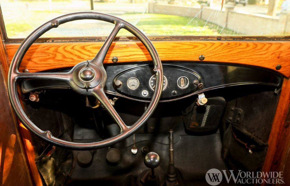 Mașini cu caroserie din lemn: șase exemplare foarte rare, scoase la iveală în America - Poza 22
