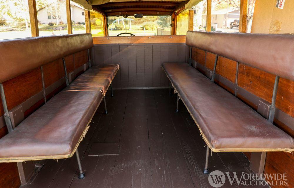 Mașini cu caroserie din lemn: șase exemplare foarte rare, scoase la iveală în America - Poza 23