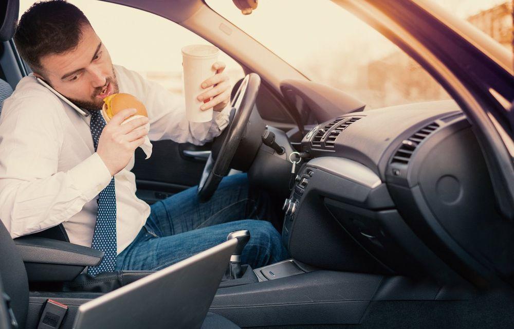 Cele mai periculoase lucruri pe care le facem la volan și ne pun viața în pericol - Poza 1