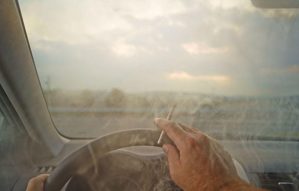 Cele mai periculoase lucruri pe care le facem la volan și ne pun viața în pericol - Poza 3