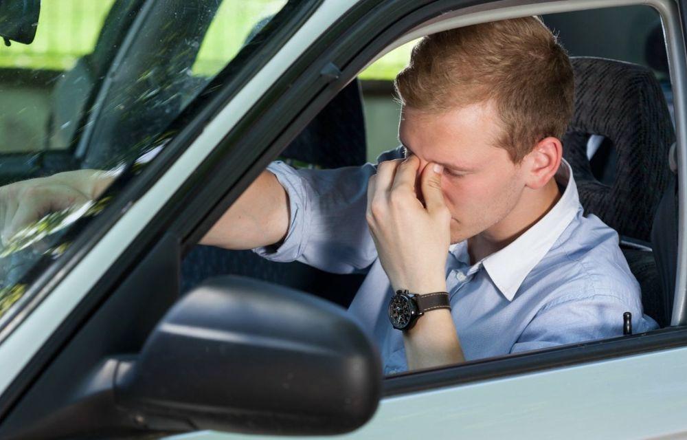 Cele mai periculoase lucruri pe care le facem la volan și ne pun viața în pericol - Poza 9