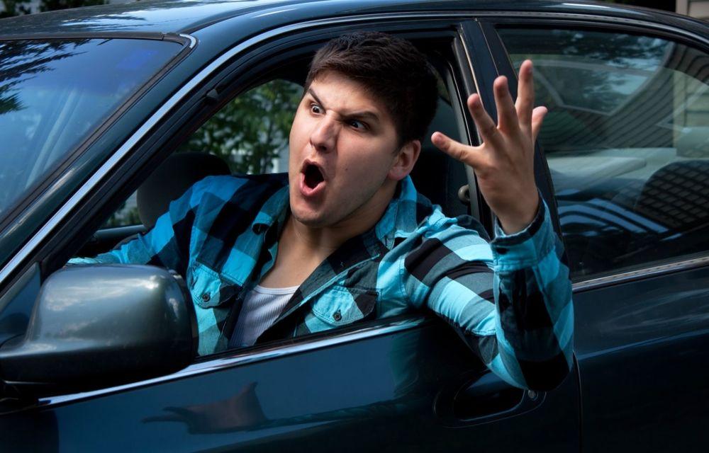 Cele mai periculoase lucruri pe care le facem la volan și ne pun viața în pericol - Poza 5