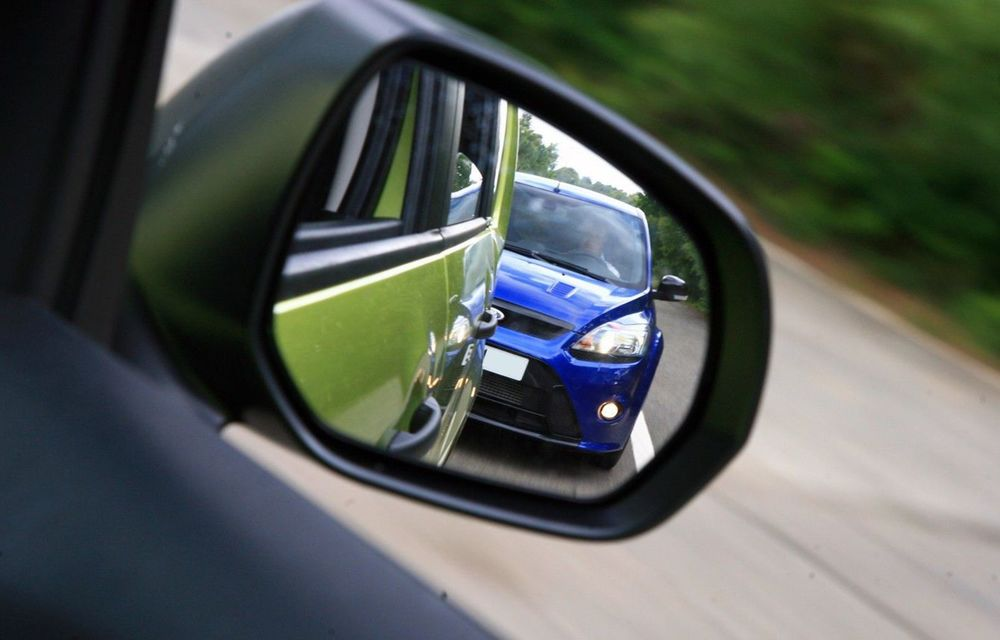 Cele mai periculoase lucruri pe care le facem la volan și ne pun viața în pericol - Poza 7