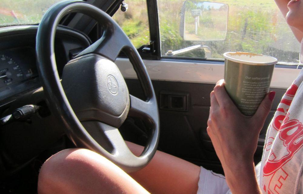 Cele mai periculoase lucruri pe care le facem la volan și ne pun viața în pericol - Poza 2