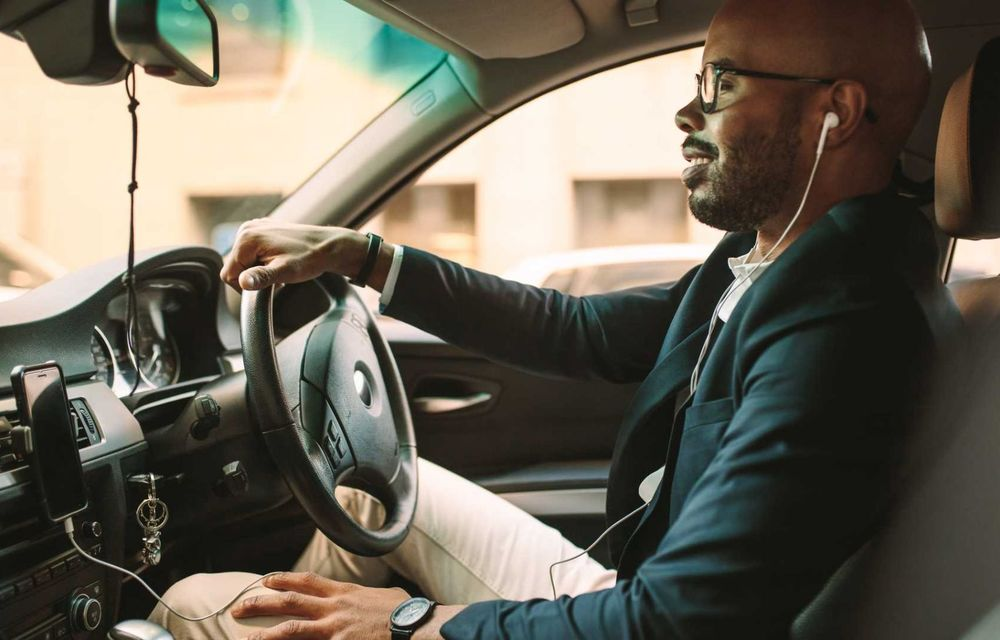 Cele mai periculoase lucruri pe care le facem la volan și ne pun viața în pericol - Poza 20