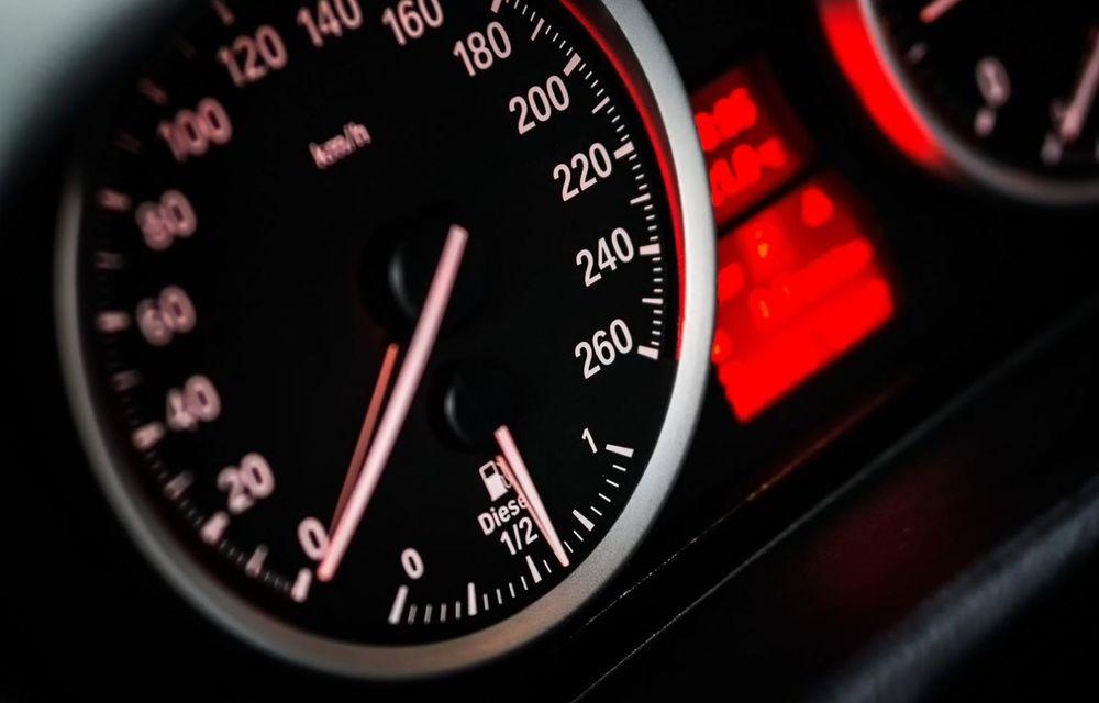 Cele mai periculoase lucruri pe care le facem la volan și ne pun viața în pericol - Poza 13