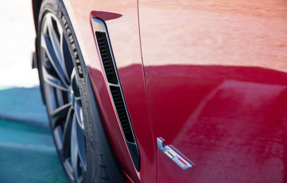 Cel mai puternic Cadillac din istorie are motor V8 asamblat manual și 677 de cai putere - Poza 27