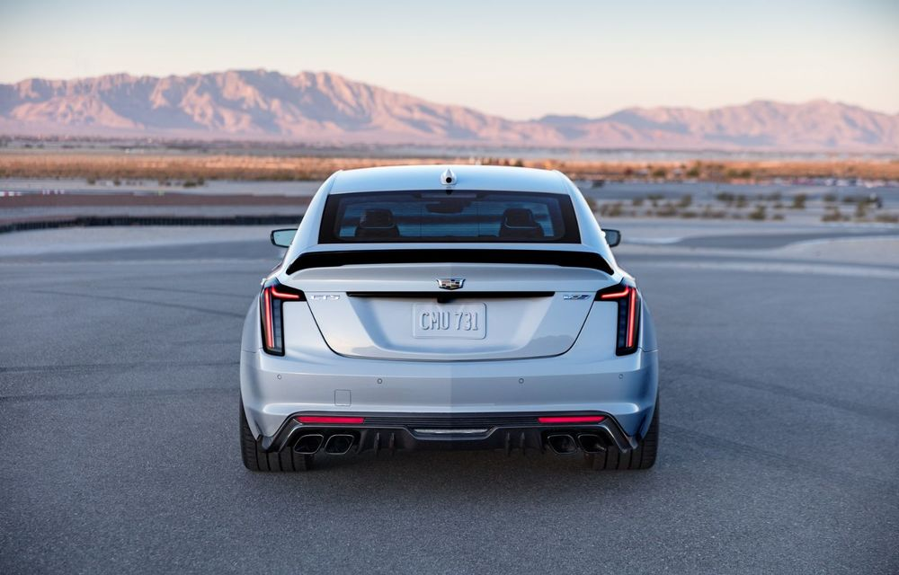 Cel mai puternic Cadillac din istorie are motor V8 asamblat manual și 677 de cai putere - Poza 3