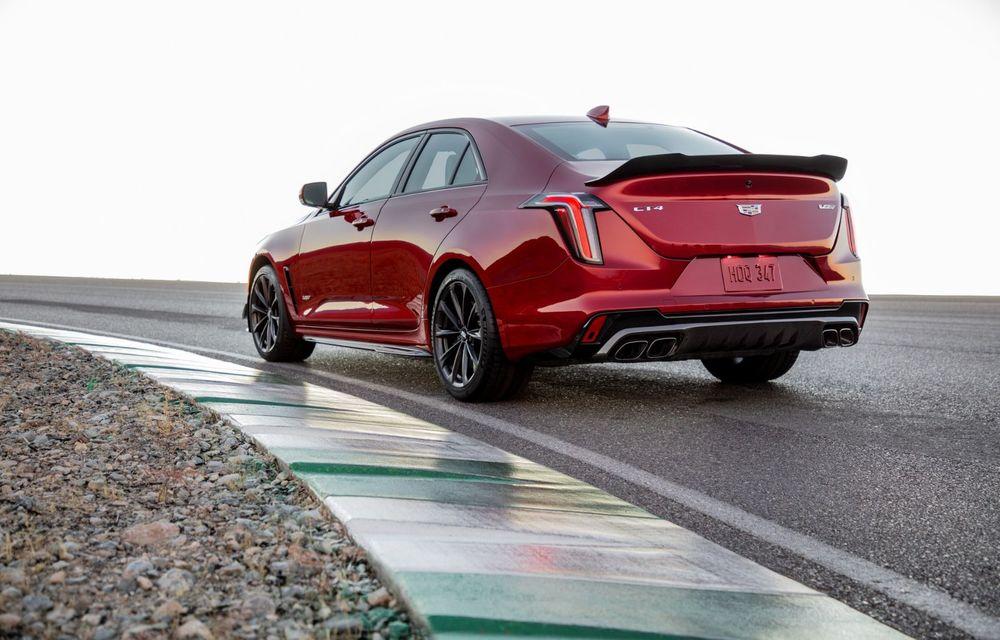 Cel mai puternic Cadillac din istorie are motor V8 asamblat manual și 677 de cai putere - Poza 18