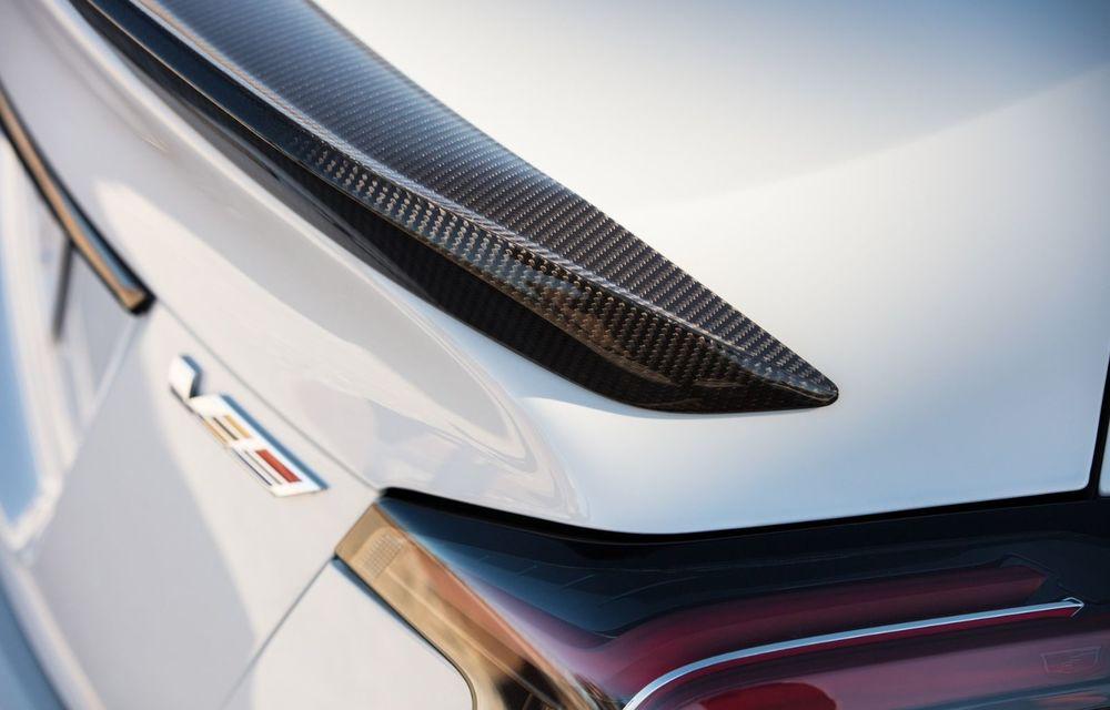 Cel mai puternic Cadillac din istorie are motor V8 asamblat manual și 677 de cai putere - Poza 7
