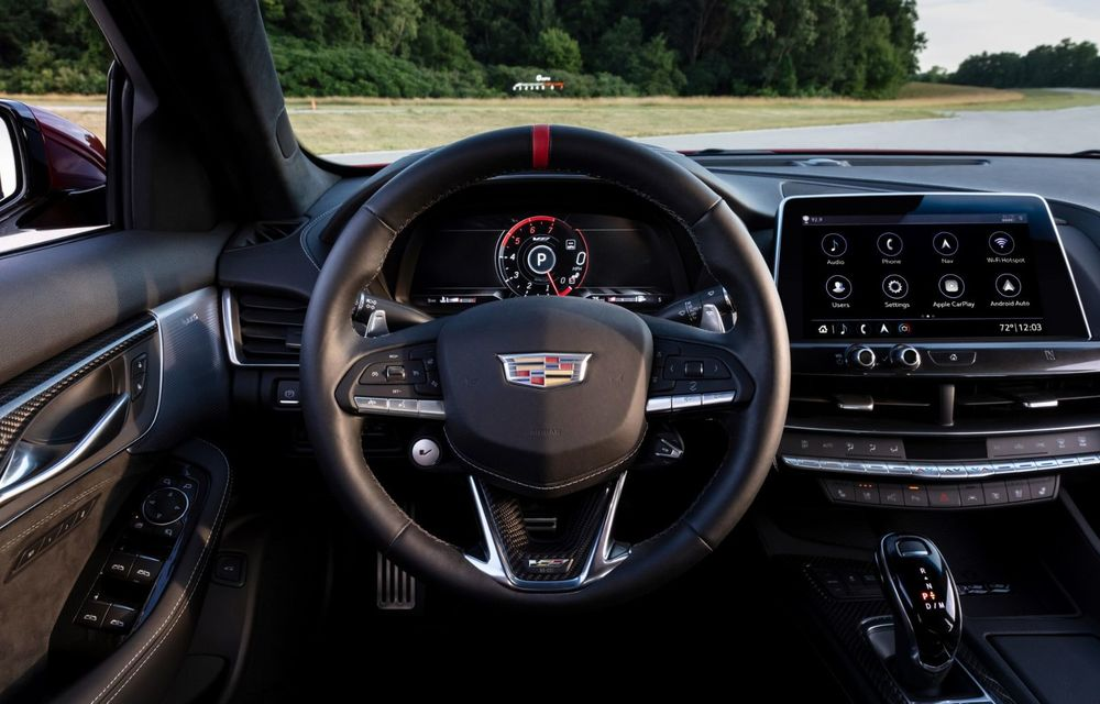 Cel mai puternic Cadillac din istorie are motor V8 asamblat manual și 677 de cai putere - Poza 9