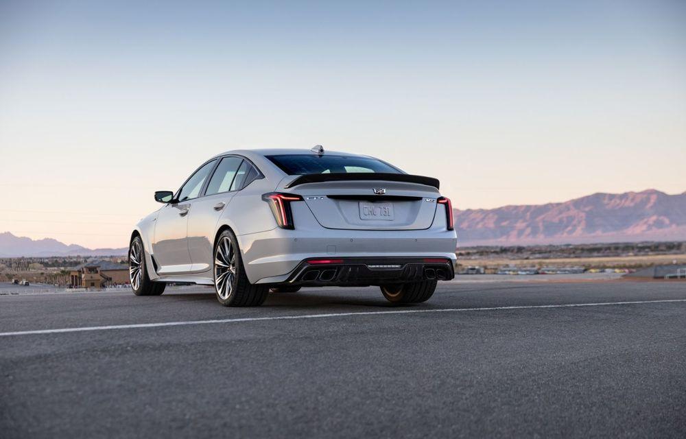 Cel mai puternic Cadillac din istorie are motor V8 asamblat manual și 677 de cai putere - Poza 2