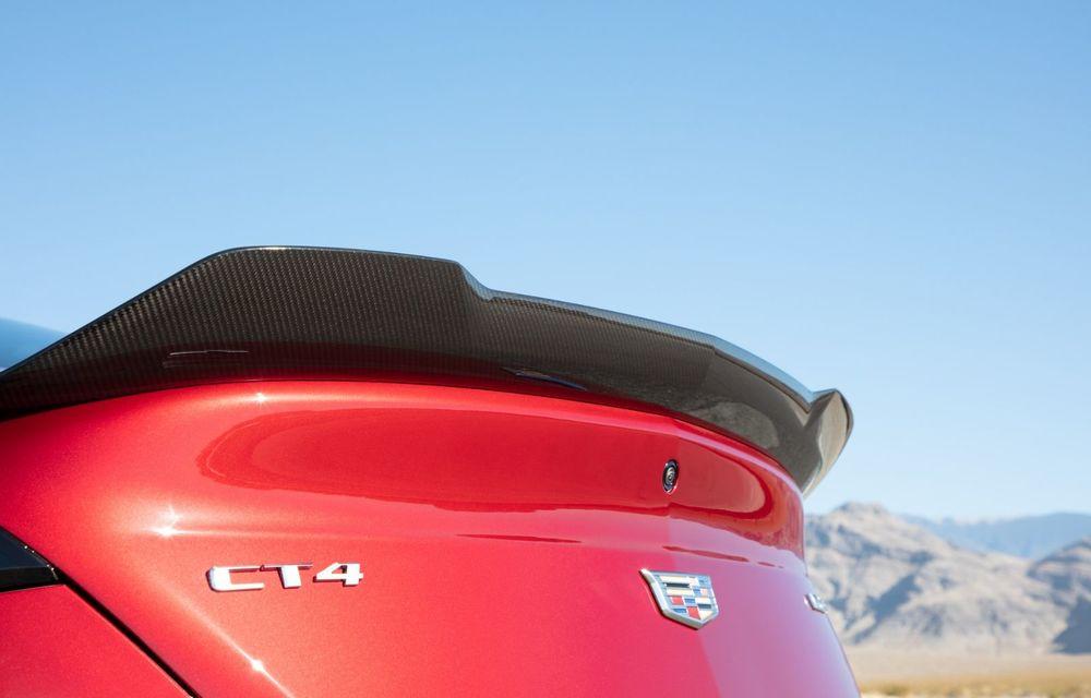 Cel mai puternic Cadillac din istorie are motor V8 asamblat manual și 677 de cai putere - Poza 22