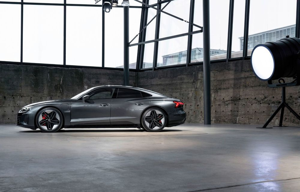 OFICIAL: Acesta este noul Audi e-tron GT, un supercar electric, frate cu Porsche Taycan - Poza 37