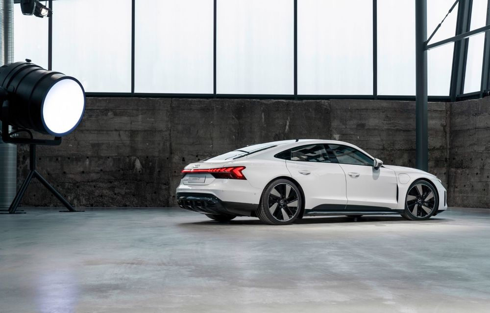OFICIAL: Acesta este noul Audi e-tron GT, un supercar electric, frate cu Porsche Taycan - Poza 25
