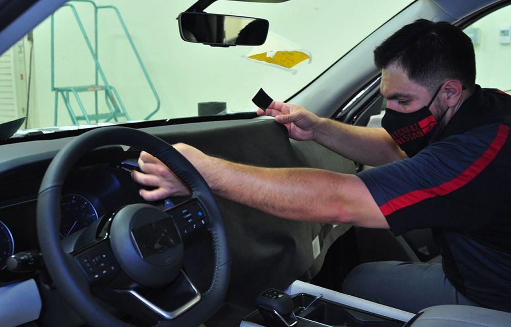 Anul trecut, Nissan a folosit peste 3 kilometri de bandă de camuflaj pentru a ascunde prototipurile sale - Poza 2